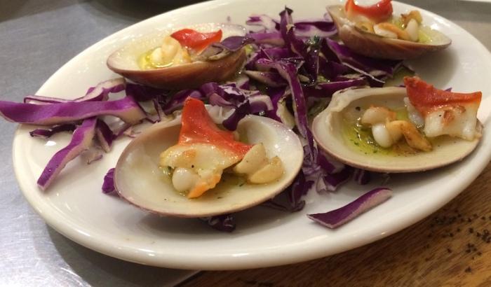 Clams with garlic tapa Granada