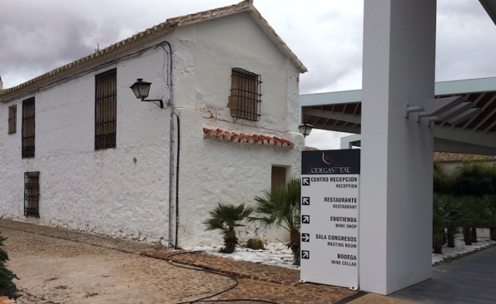 Bodegas real farmhouse