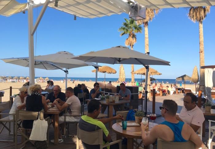 marina-beach-club-beach-bar
