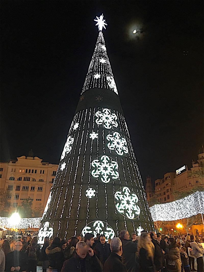 2-christmas-ayuntamiento-tree