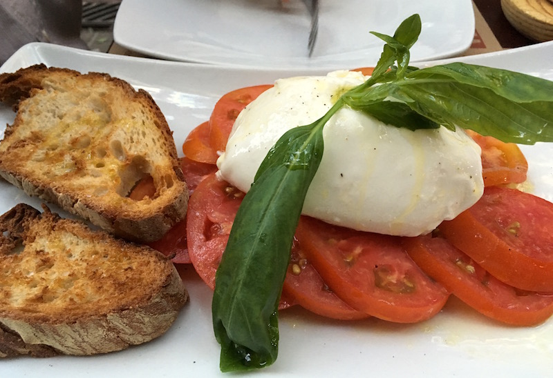 lambrusqeria-burrata-salad