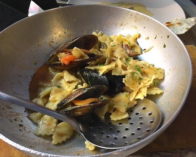 mariposa pasta mussels L'alquimista Valencia