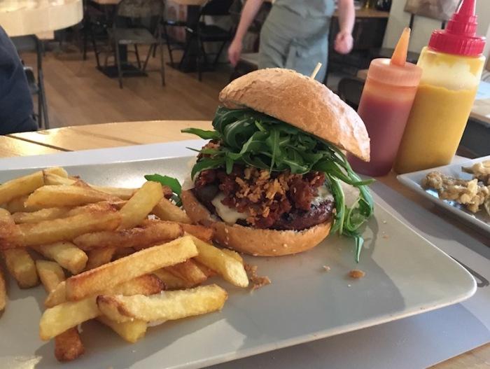 Ternera burger Onion Burgerstudio Valencia