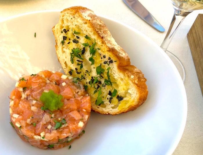 Salmon Tartar Crudo Bar Valencia