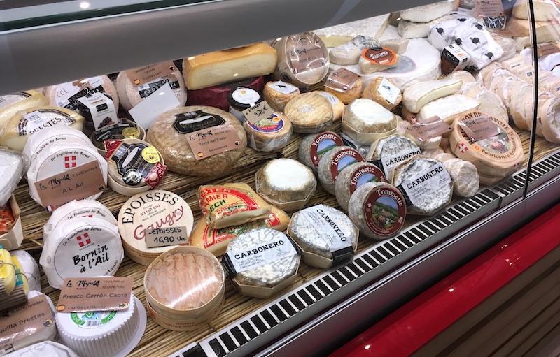 La-Majada-Cheese-Case