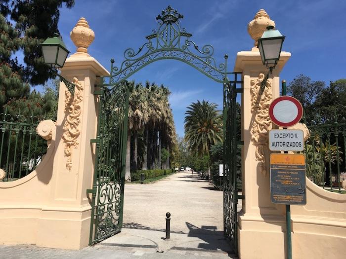 Viveros-Entrance