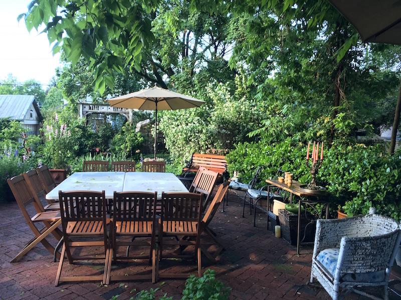 10 Clarke bed and breakfast garden