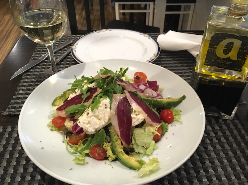 La-Latina-Salad