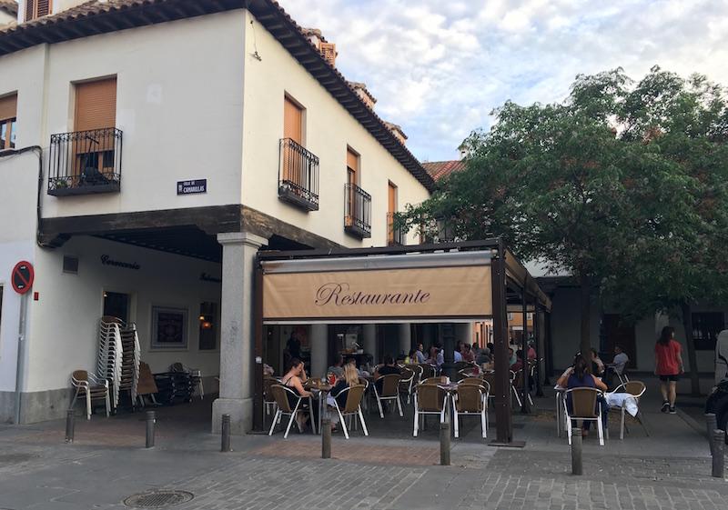 La Caprichosa Terrace Barajas Madrid