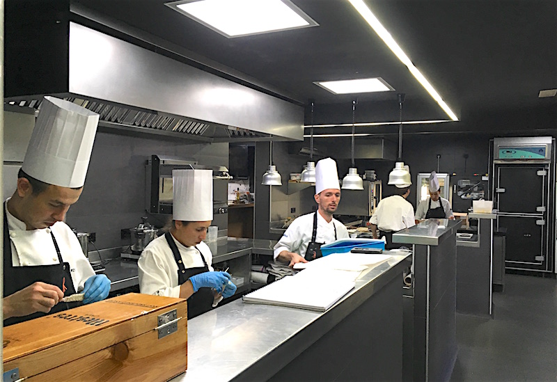 el celler de can roca kitchen
