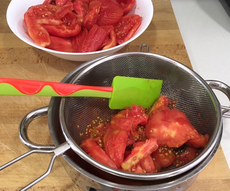 tomatoes-in-sieve