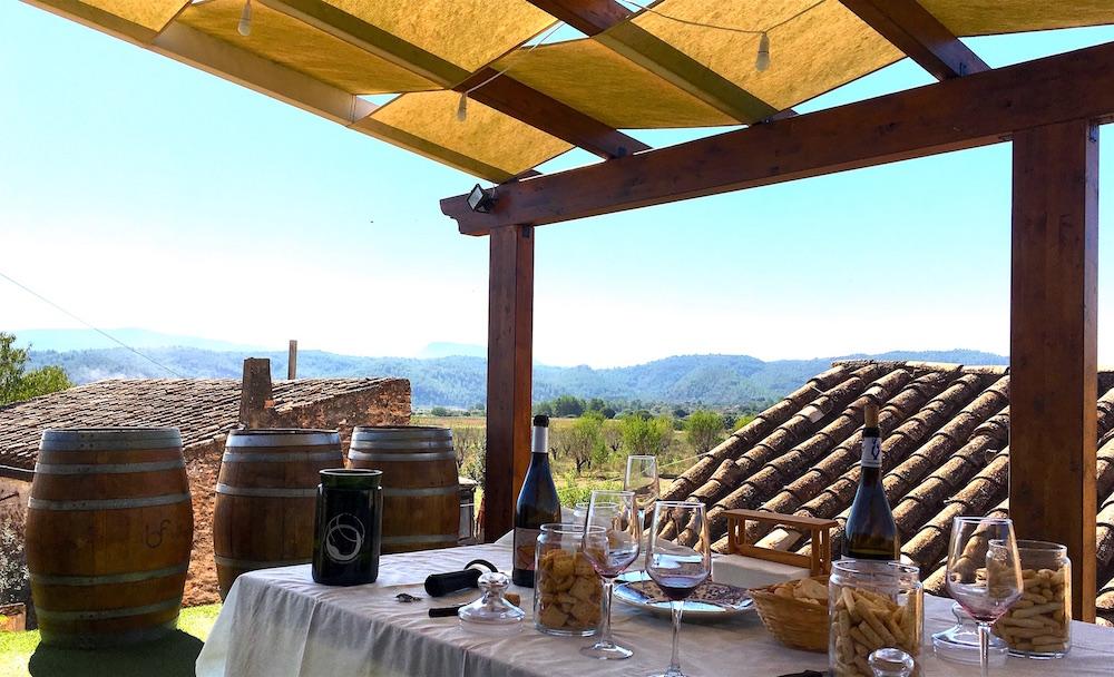Bodega-Flors-table