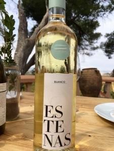 Estenas vino blanco utiel valencia spain