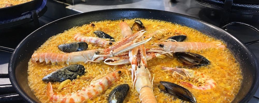 Seafood paella Escuela Arroces Valencia Spain