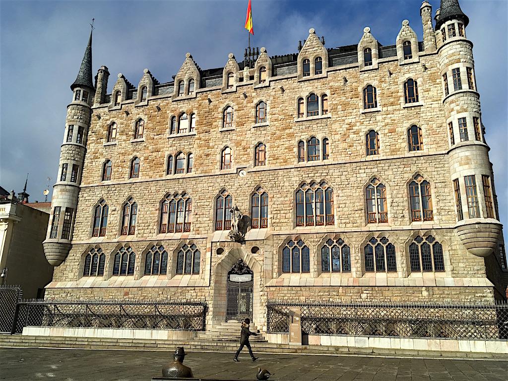 Casa Botines Gaudi Leon Spain
