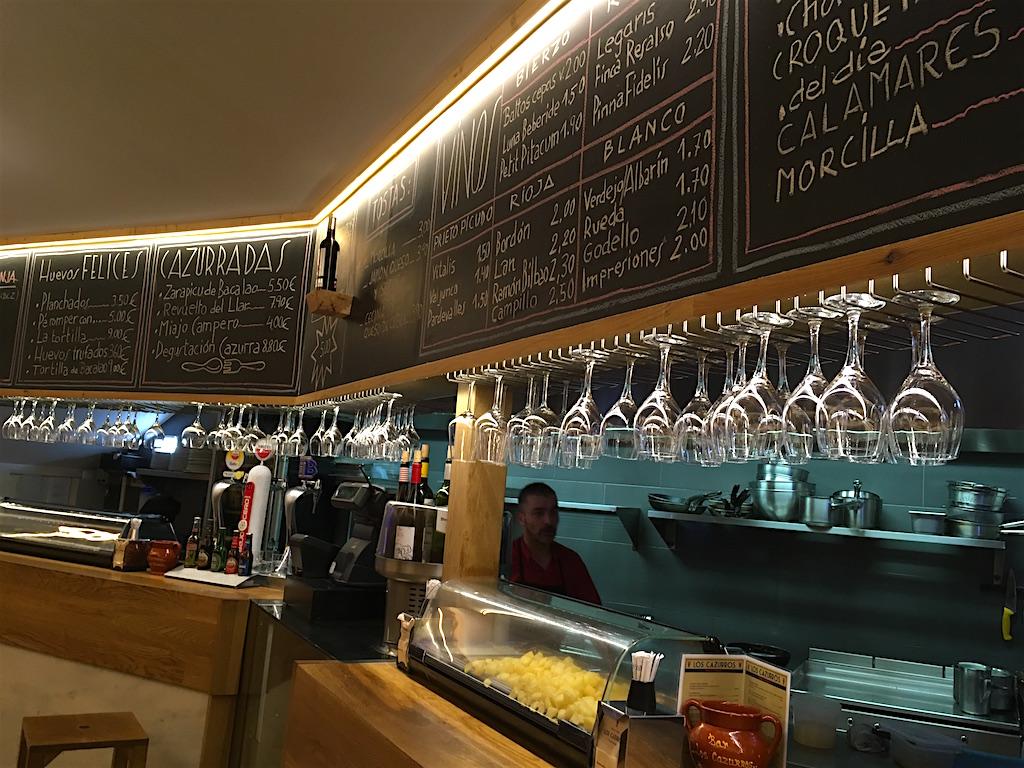 Los-Cazurros-Bar