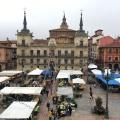 plaza mayor market day leon spain