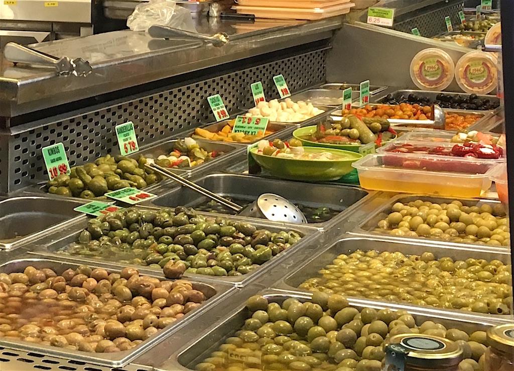 Mercado-Anton-Martin-olives