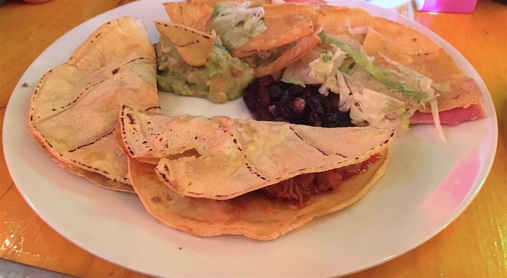 La-Fabrica-Quesadilla-Taco-plate