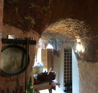 Bodega-Cave-Paella-Pans
