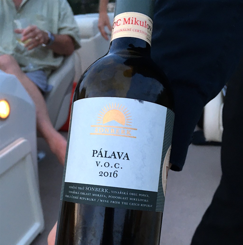 Palava-wine-bottle