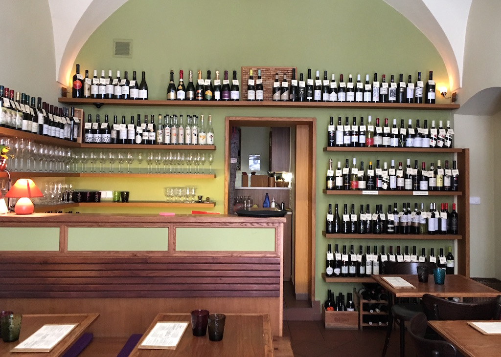Vinograf-Misenska-wine-bar