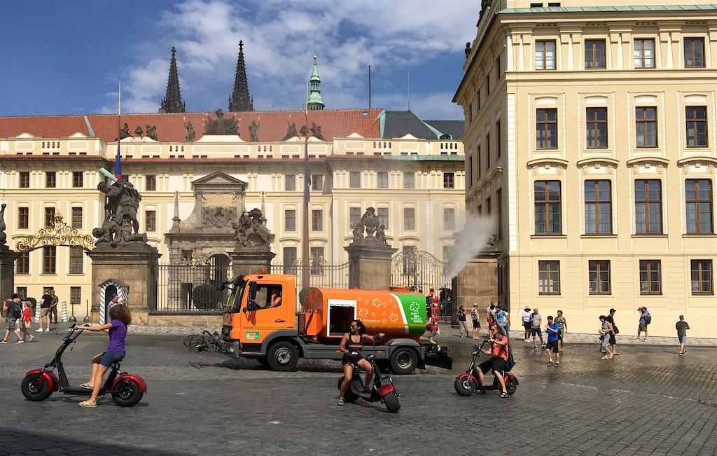 spraying water truck prague