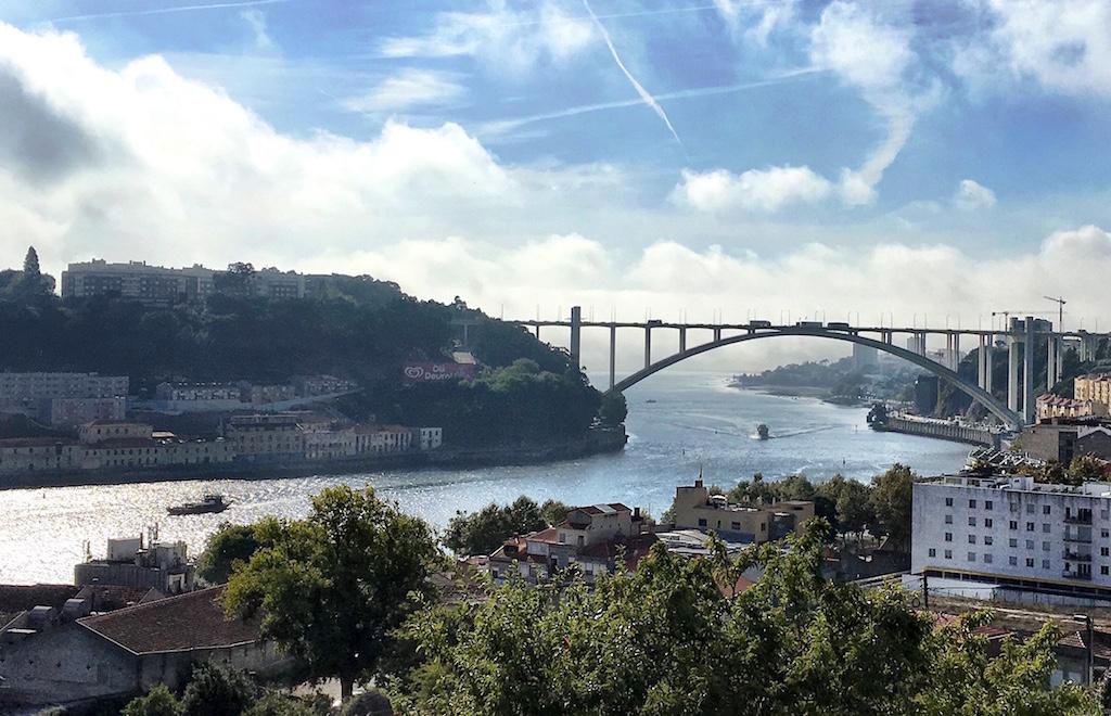 Ponte da Arrábida Douro river Porto