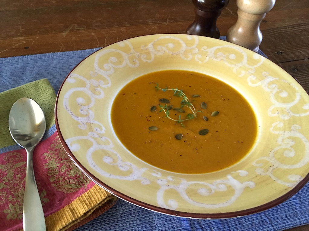 spicy carrot soup with ginger and curry