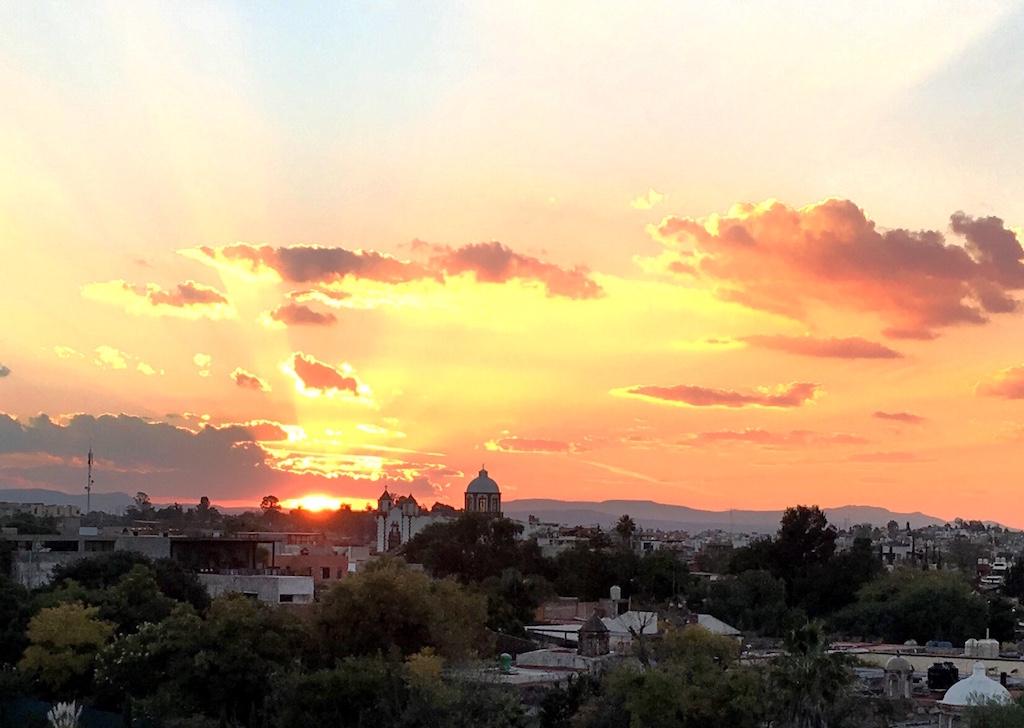 sunset over san miguel de allende Luna Bar