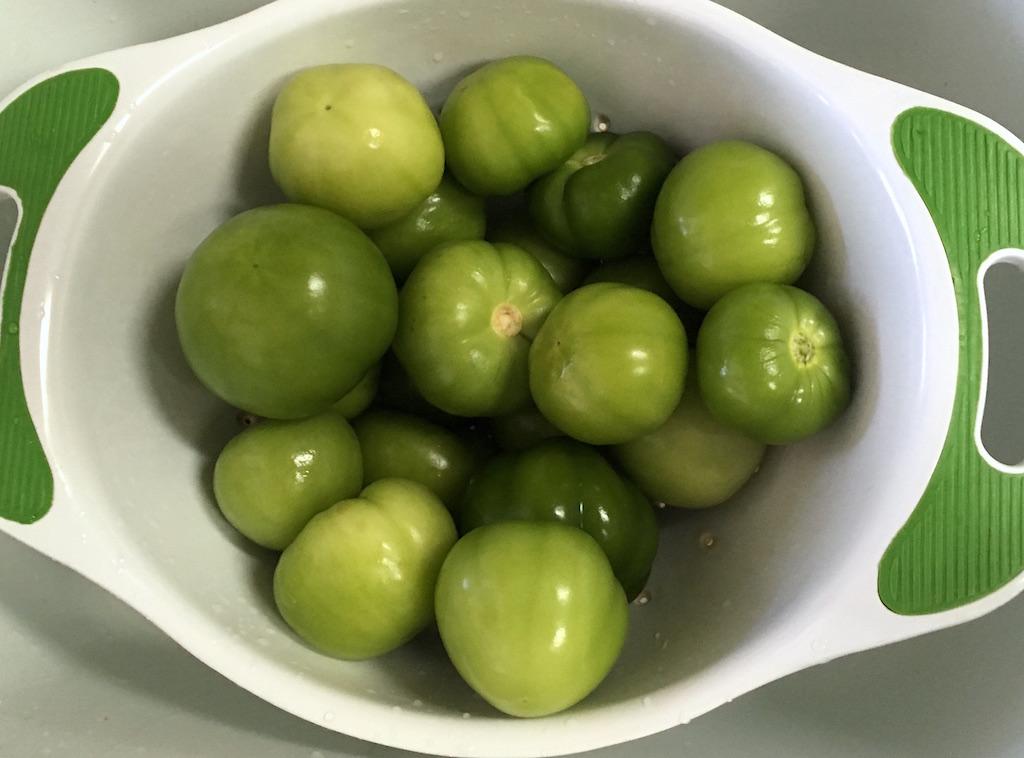 clean tomatillos
