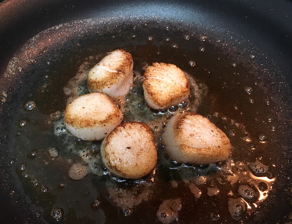 searing scallops in butter and oil