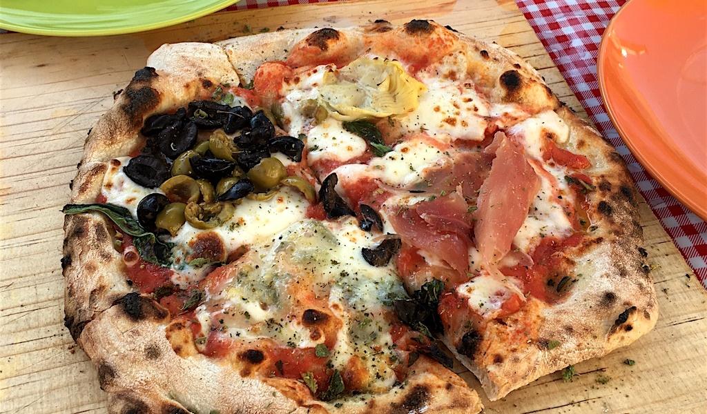 pizza napoletana artichoke proscuitto olive gorgonzola fiamma