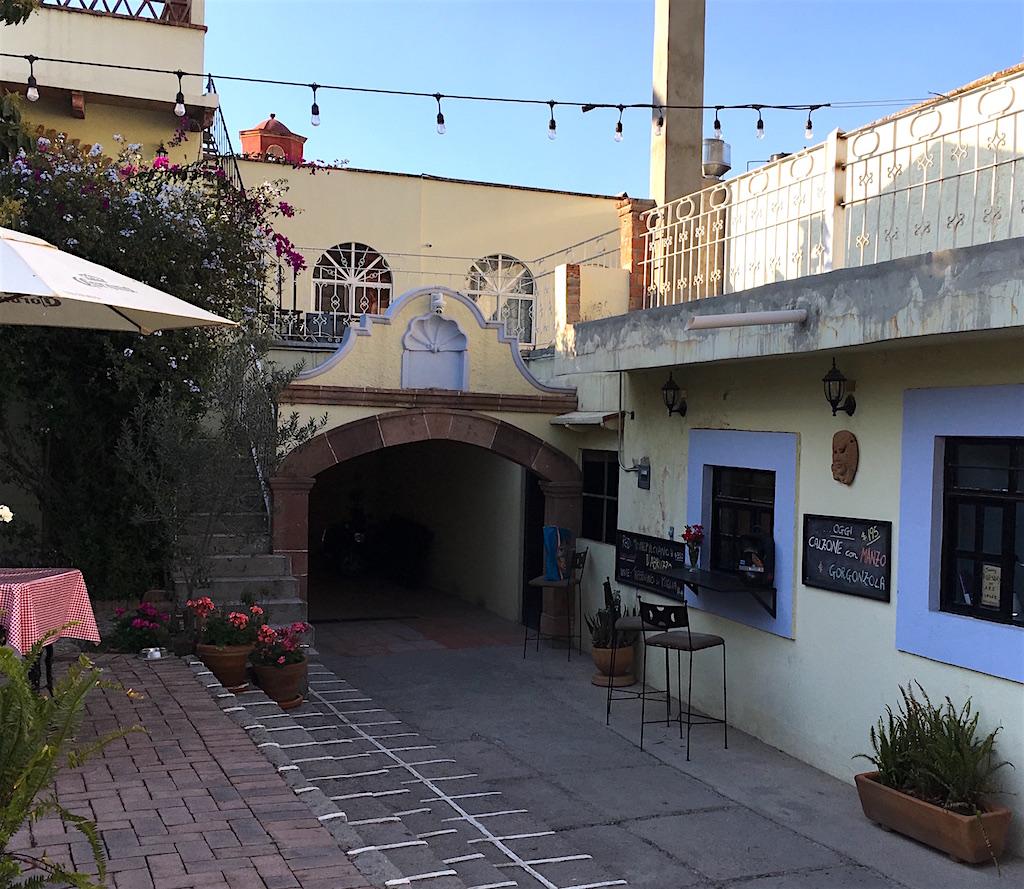 Fiamma pizzeria entrance san miguel de allende