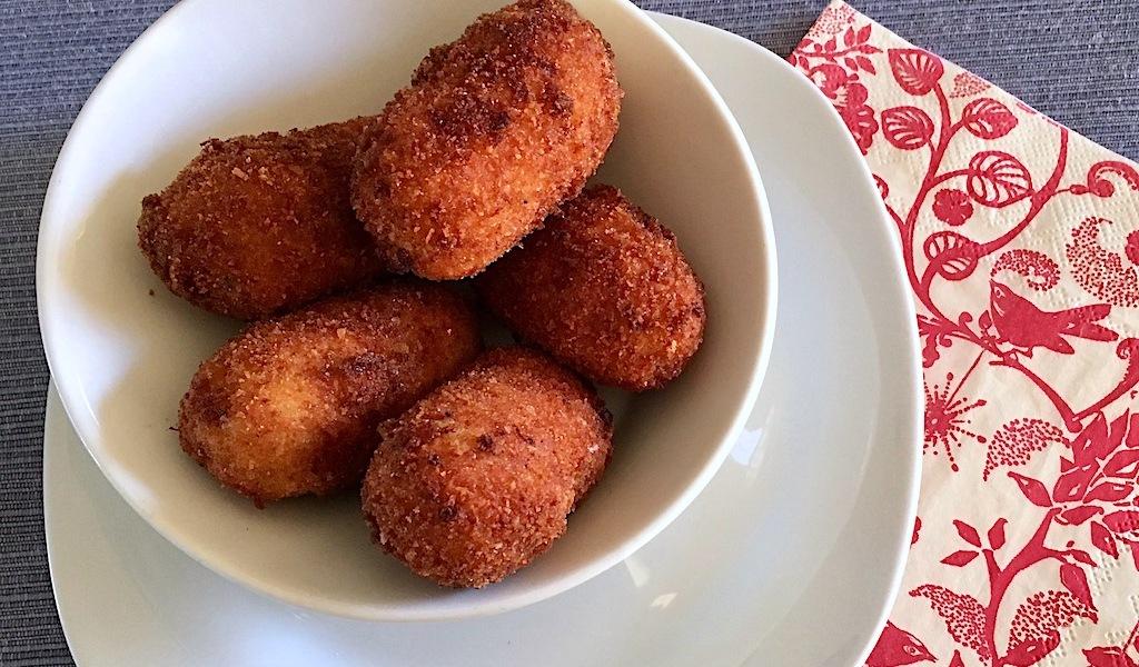 Spanish croquetas de gambas shrimp croqueta recipe