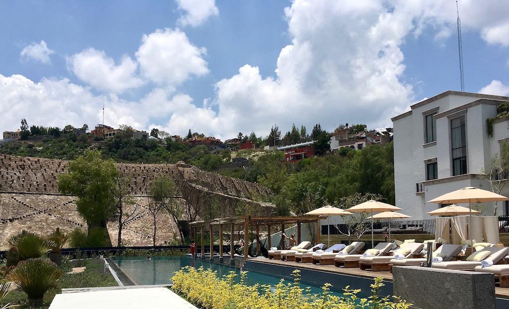 Live Aqua pool Presa de Obraje dam